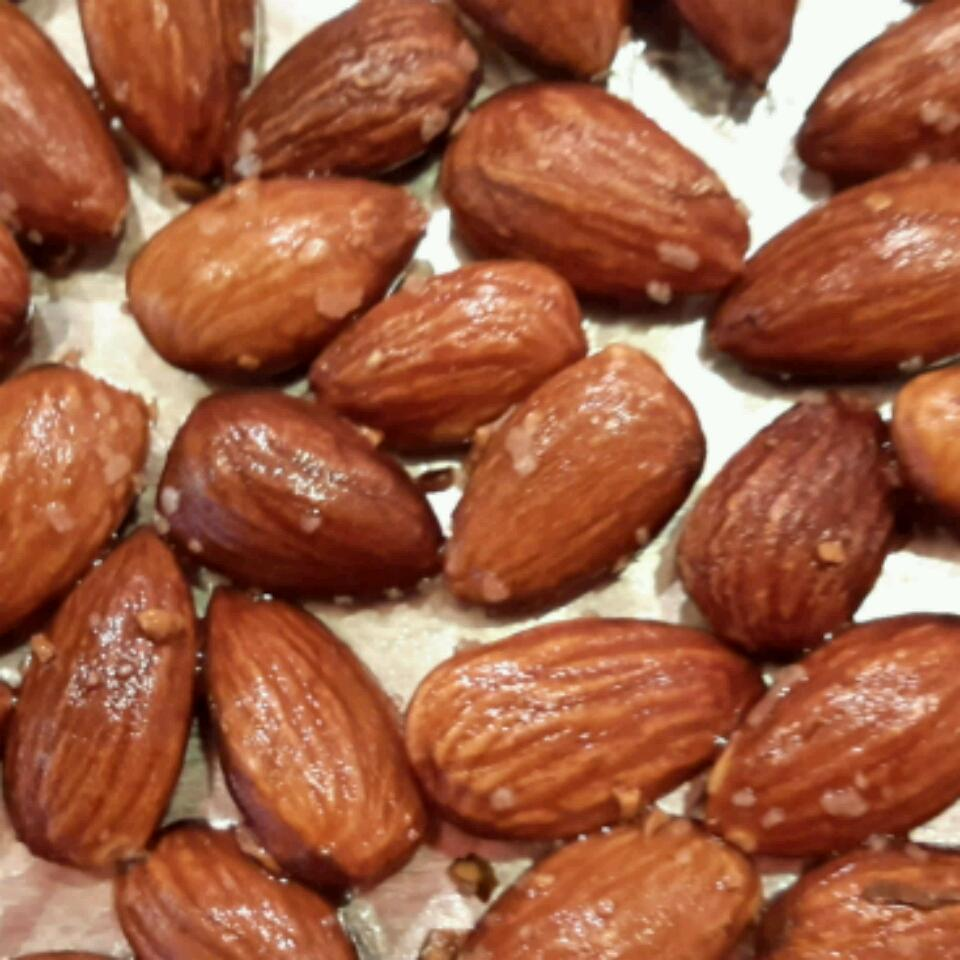 Anytime Almonds Lee