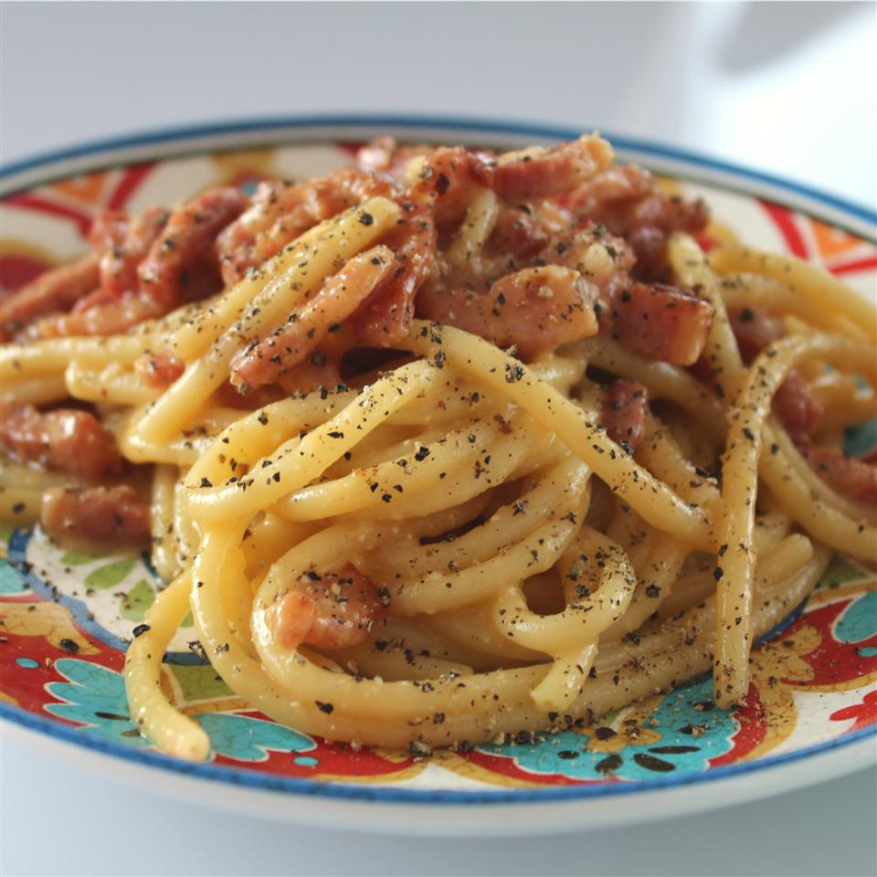 Spaghetti alla Carbonara: the Traditional Italian Recipe