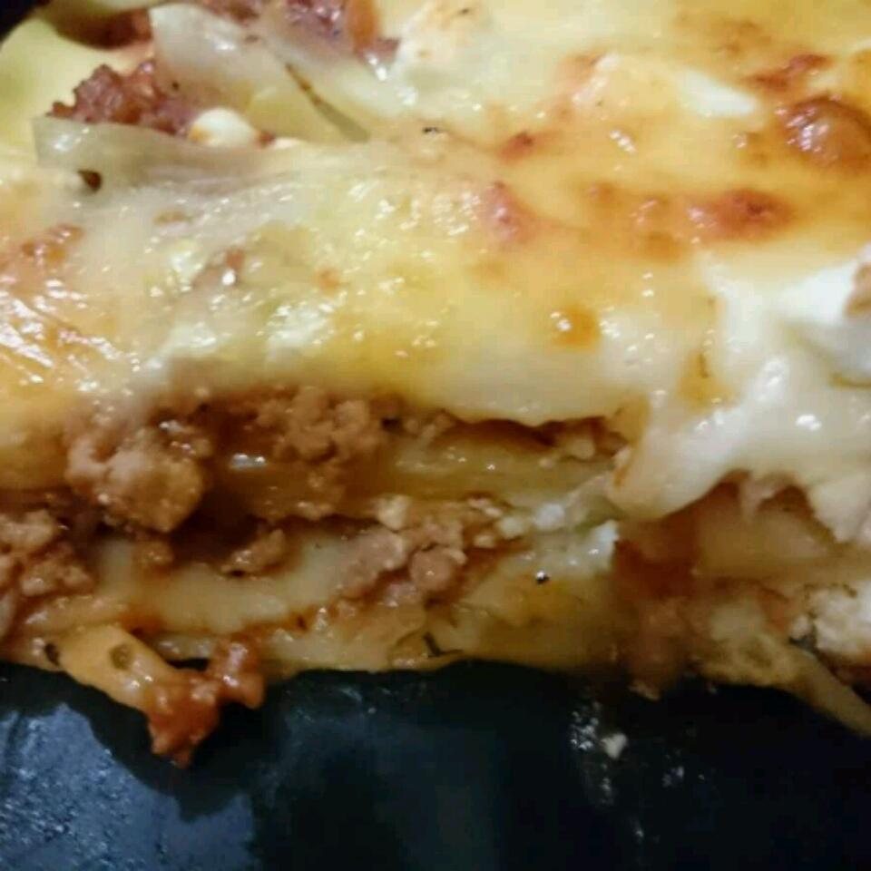 Restaurant Style Lasagna lyn
