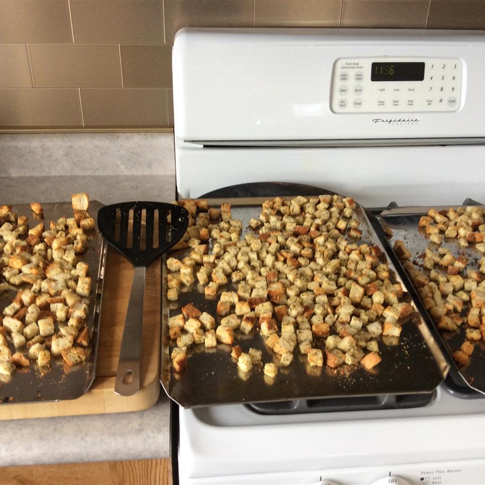 Garlic-Parmesan Croutons Starr