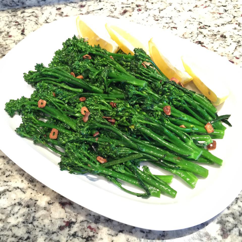 Simple Broccolini