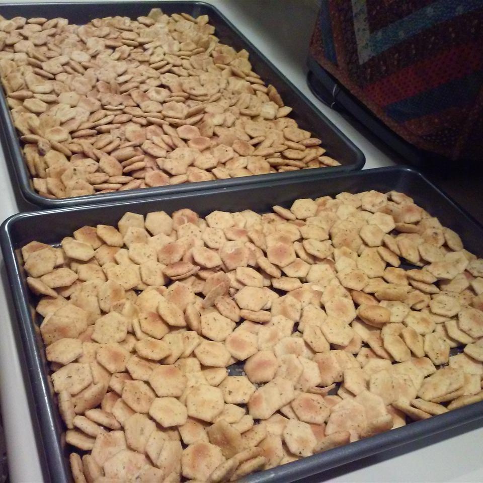 Tasty Seasoned Oyster Crackers Thisni Caza