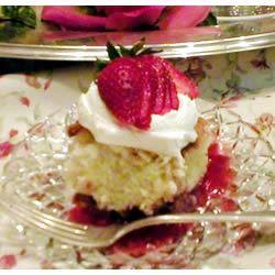 Strawberry Shortcut Cake Maureen