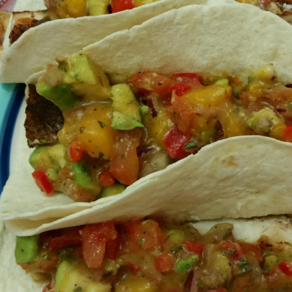 Healthy Fish Tacos with Mango Salsa JessMariiRodd