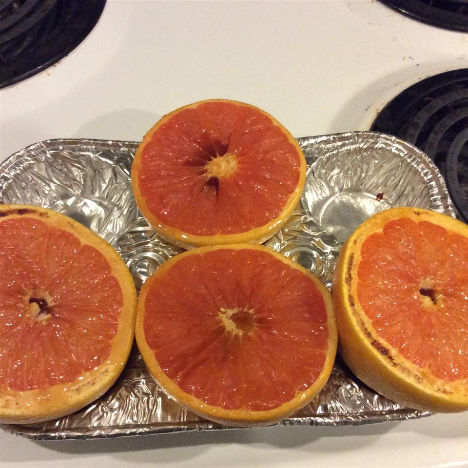 Simple Broiled Grapefruit ahelphrey