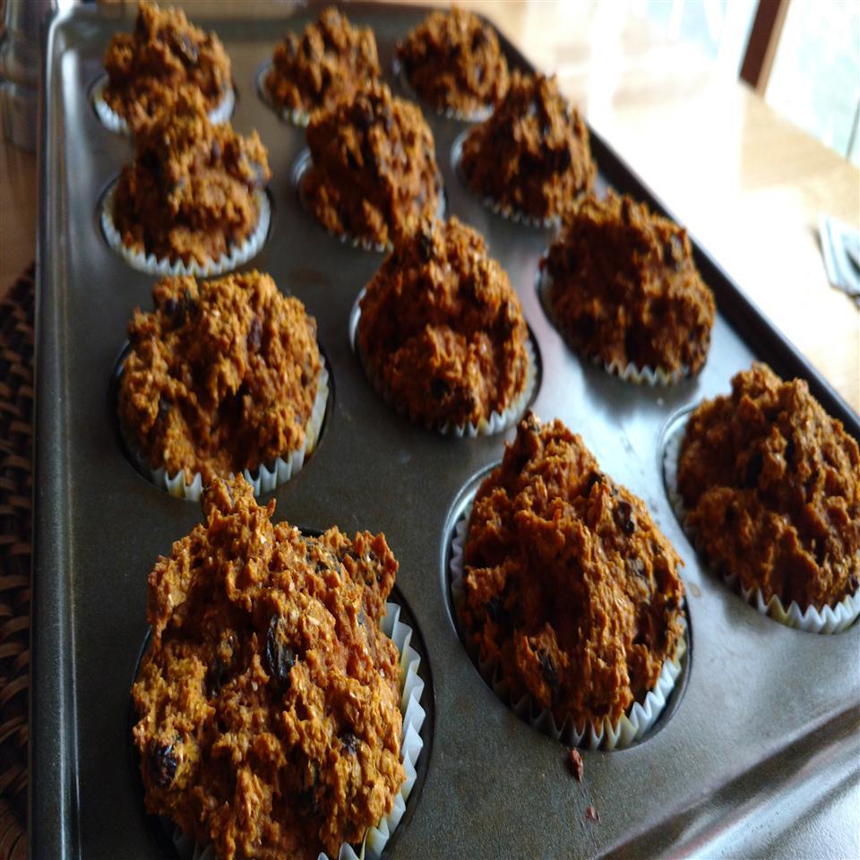 Sugar-Free Whole Wheat Pumpkin Bran Muffins with Raisins