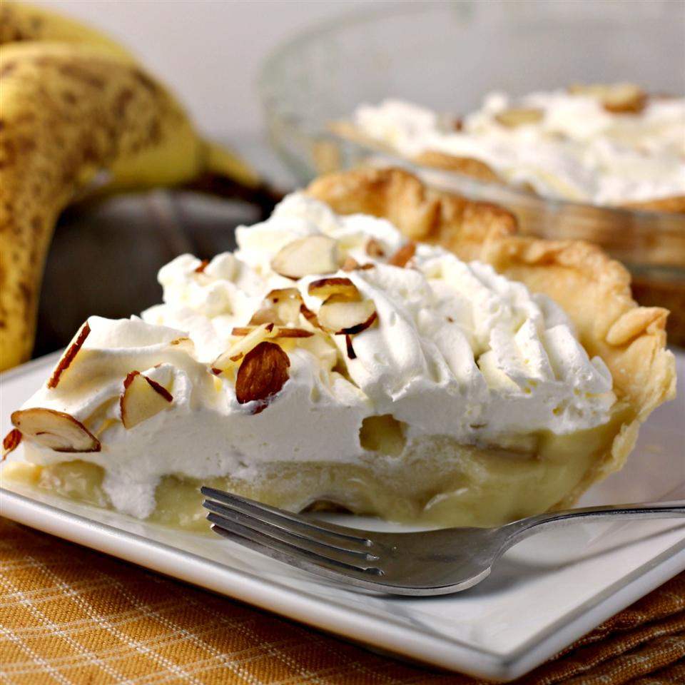 Banana Cream Pie I Ruby Pfeffer