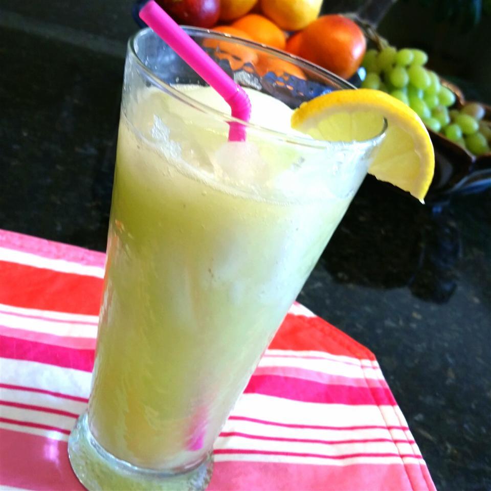 Agua Fresca de Pepino (Cucumber Limeade) Sheila LaLonde