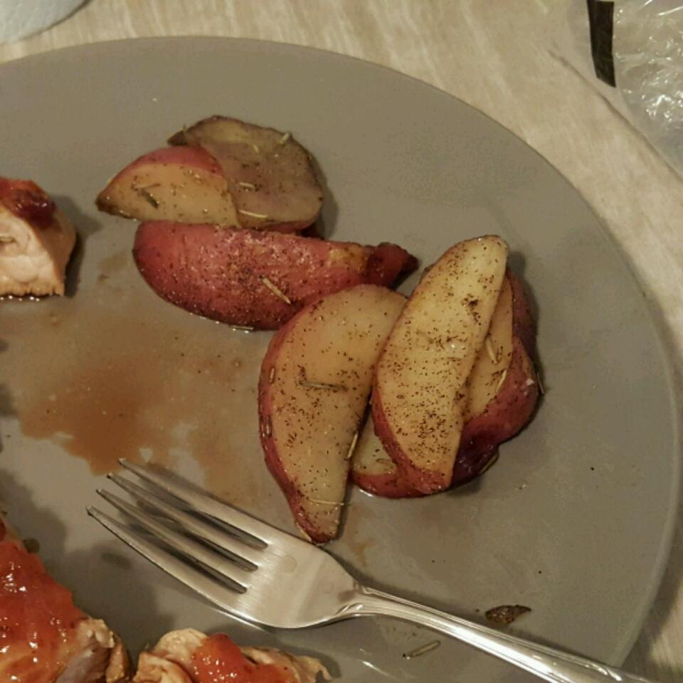 Bella's Rosemary Red Potatoes Gabriel Dumeng