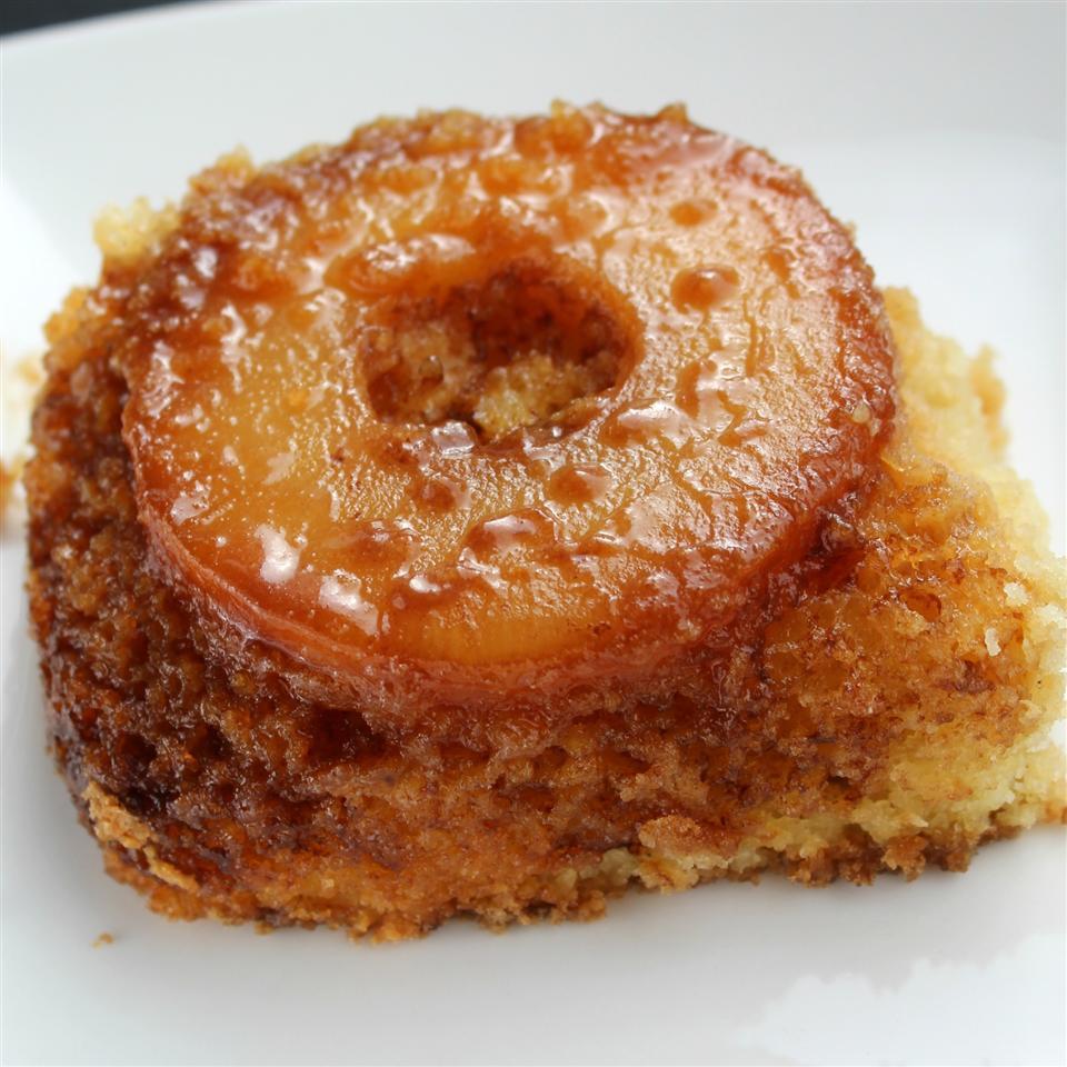 Gluten-Free Pineapple Upside-Down Cake qwertycook