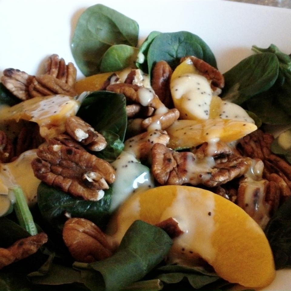 Spinach Salad with Peaches and Pecans Roseanne