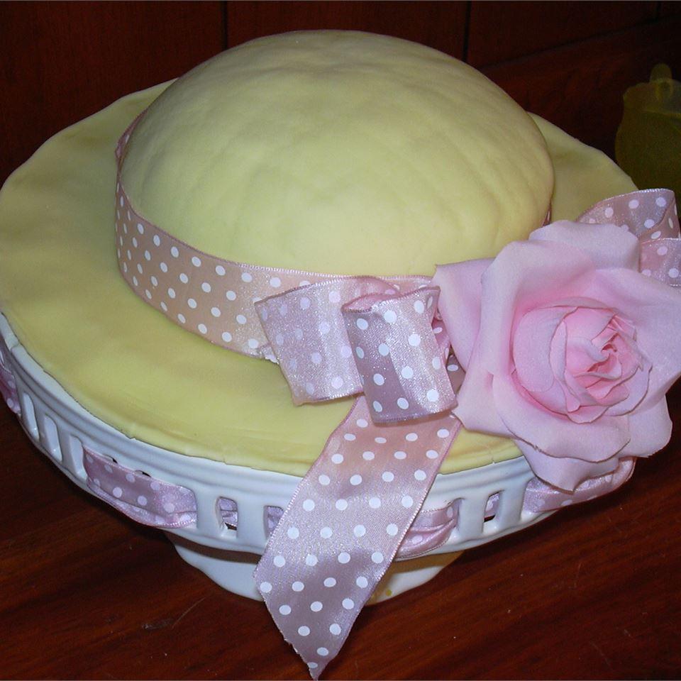 White Cake with Lemon Filling