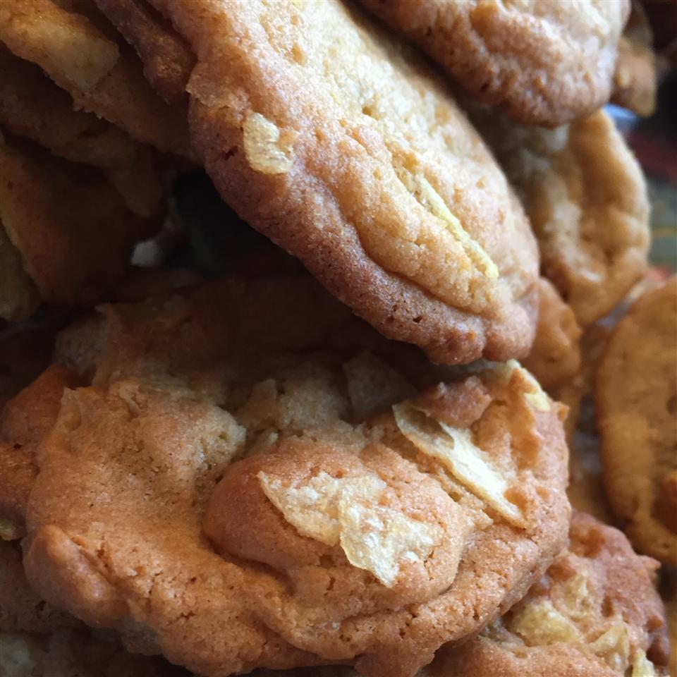 Butterscotch Potato Chip Cookies quinn miller