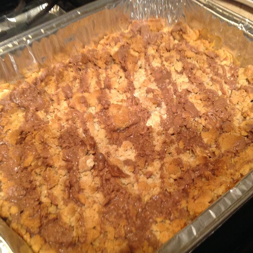 Easy Apple Crisp Aila