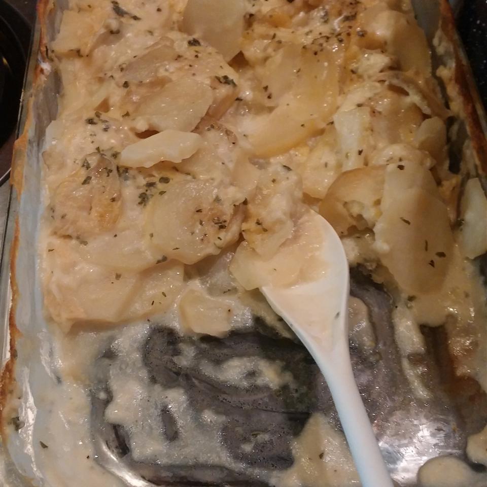 Mom's Scalloped Potatoes