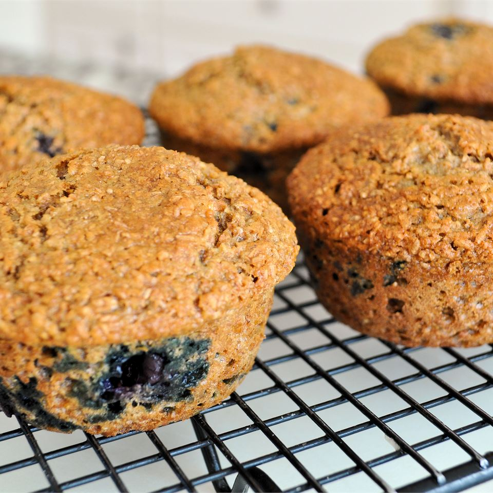Low-Fat Blueberry Bran Muffins 3LIONCUBS