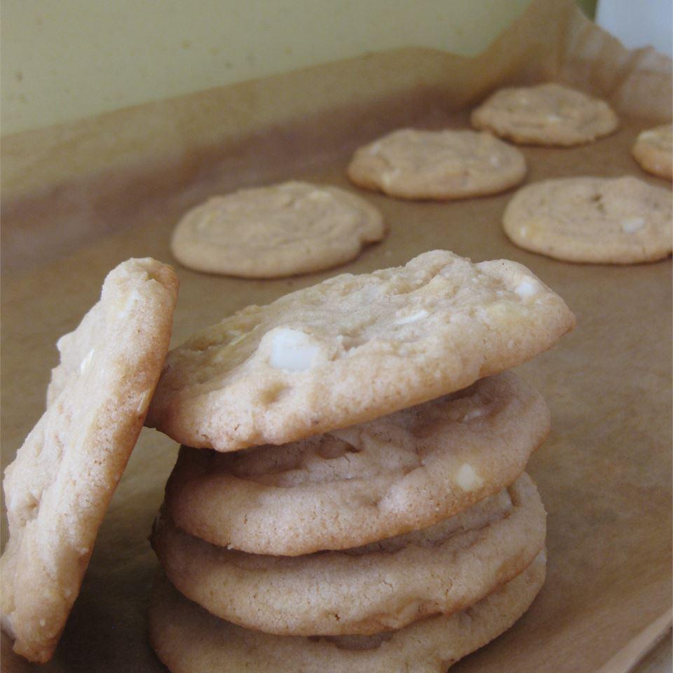 White Chocolate Macadamia Nut Cookies IV MARIAM
