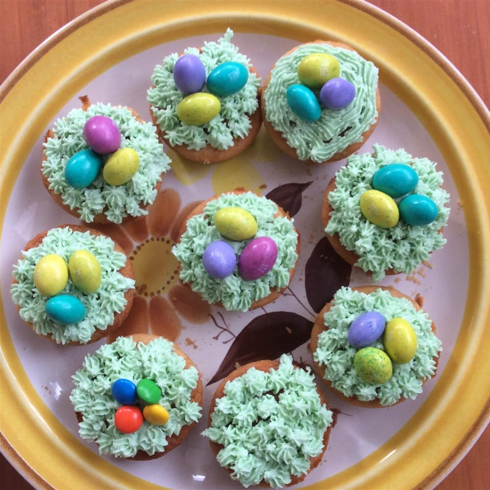 Easter Surprise Cupcakes Iwenner