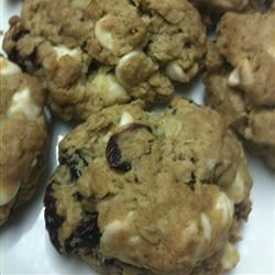 Oatmeal Cranberry White Chocolate Chunk Cookies LADYTRUTH20