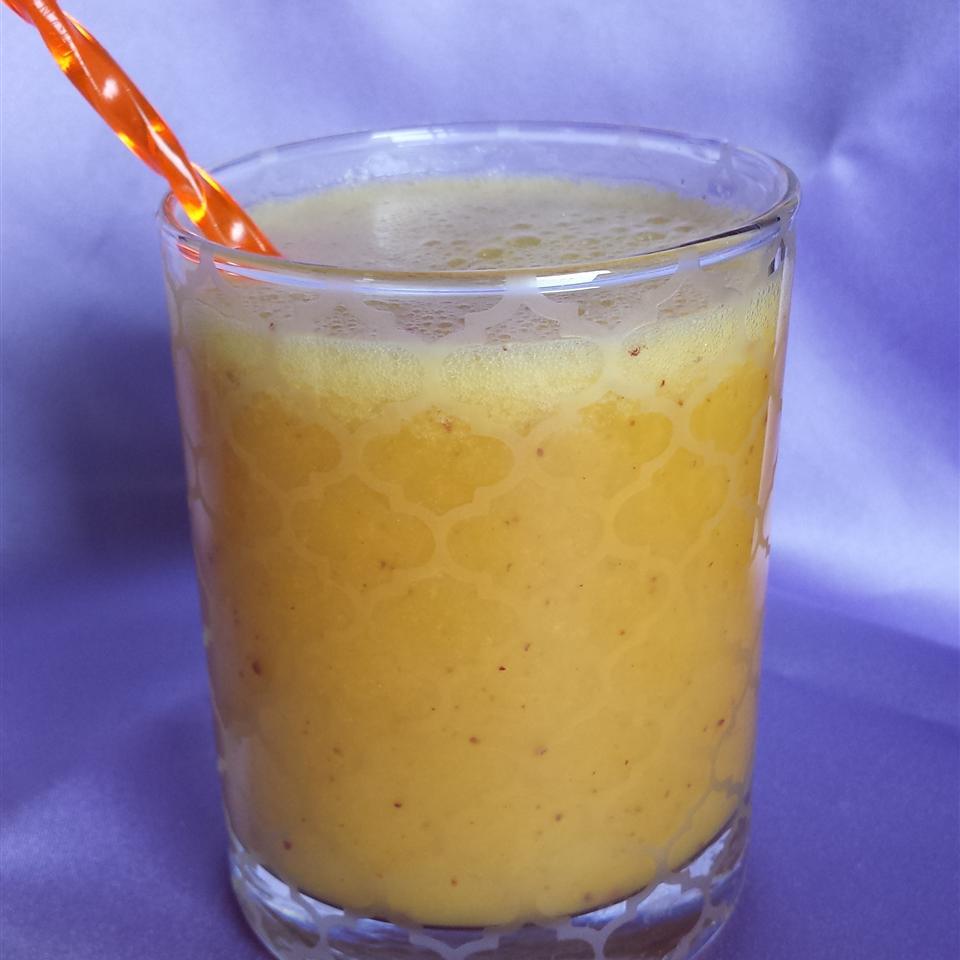 Orange Juice Goji Berries Smoothie Liz Dalton 'Lizzie'