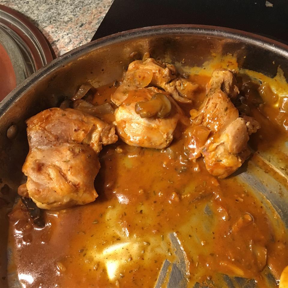 Ellen's Chicken Cacciatore Amarilys Triana Walsh