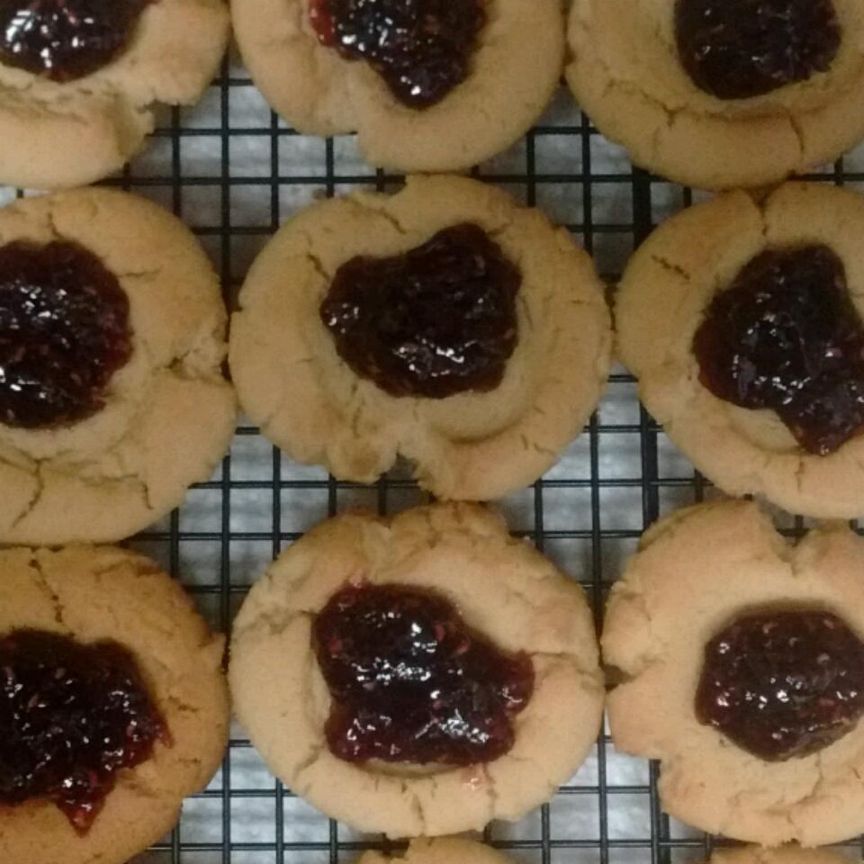 Peanut Butter and Jelly Cookies missmuslimah