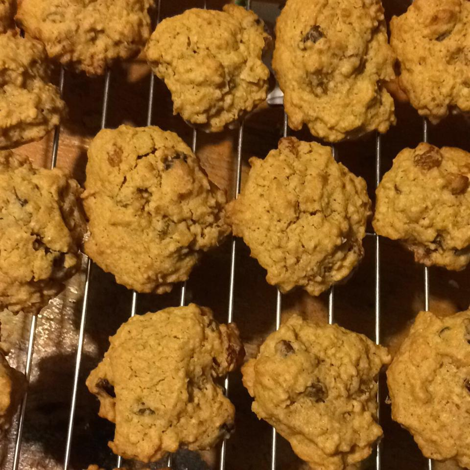 WWII Oatmeal Molasses Cookies