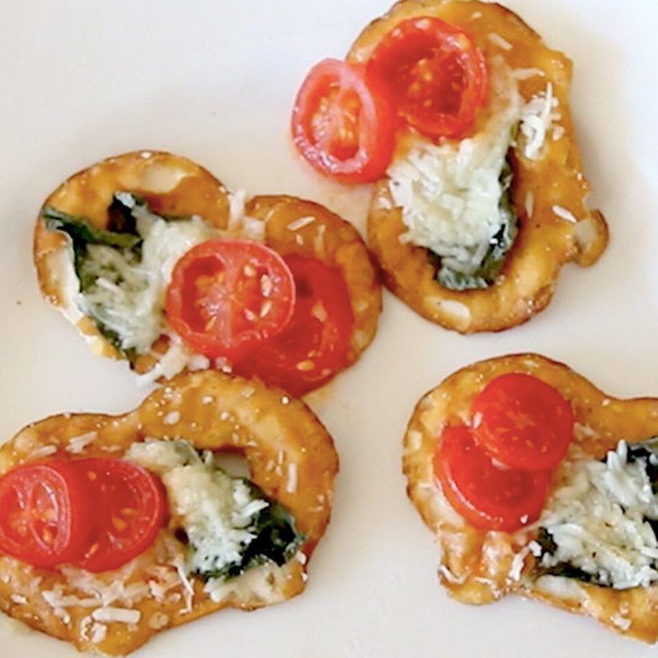 Tomato, Cheese and Basil Pretzel Crisps® Bites Snack Factory® Pretzel Crisps®