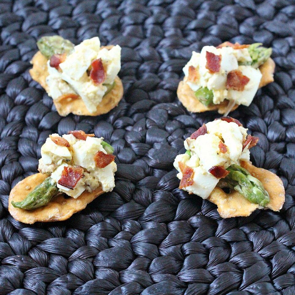 Bacon & Egg Salad Bites Snack Factory® Pretzel Crisps®