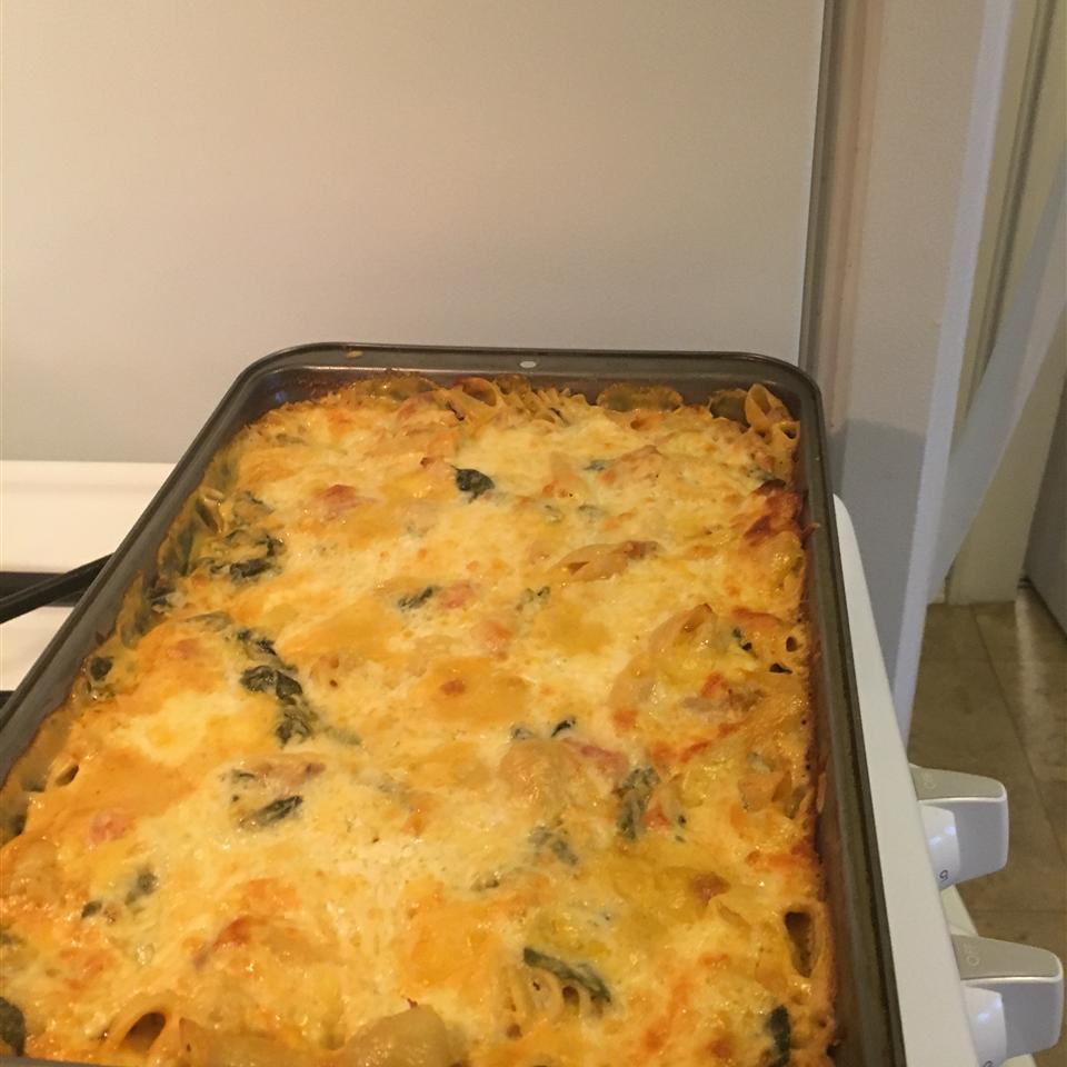 Chicken, Spinach, and Cheese Pasta Bake Sandy Lucas
