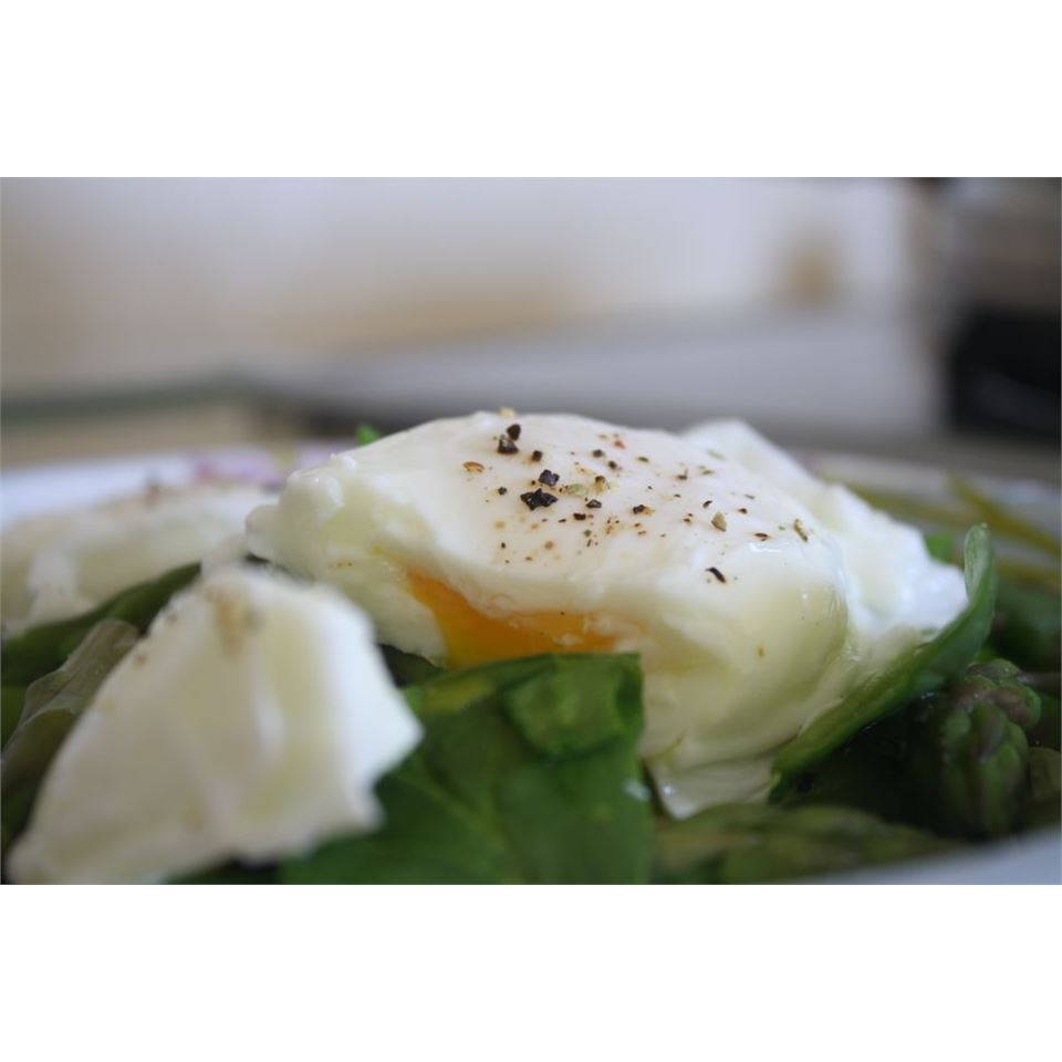 Poached Eggs and Asparagus Sara