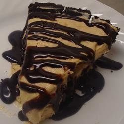 Smooth and Creamy Peanut Butter Pie