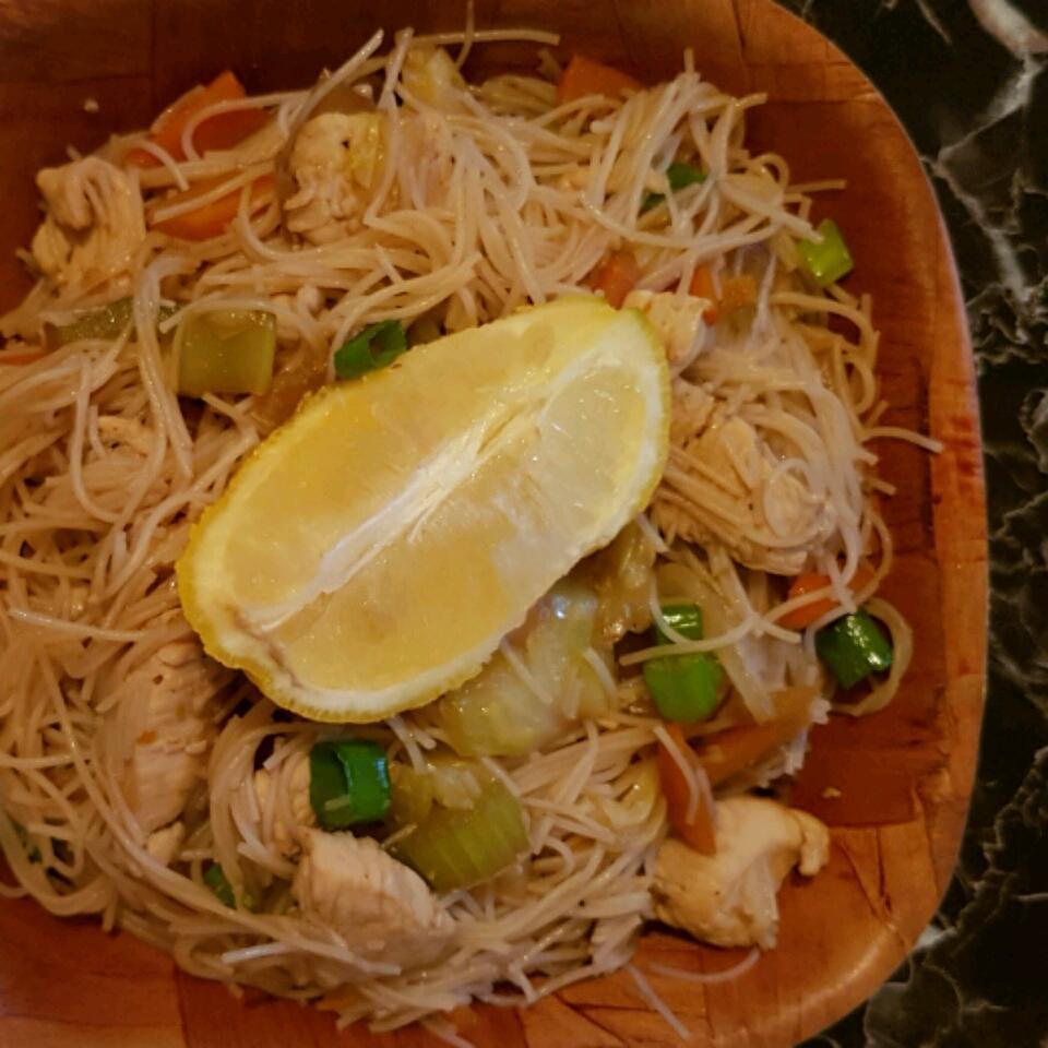 Pork and Shrimp Pancit Crystal Dearing
