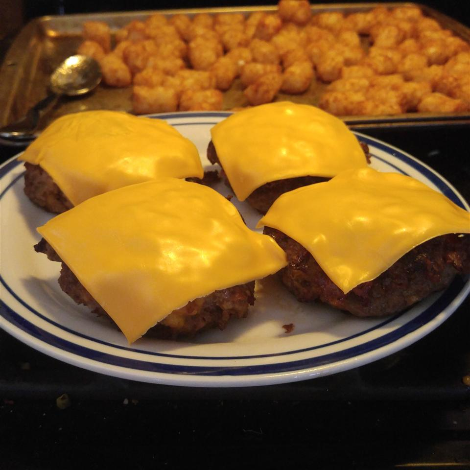 Cheddar Bacon Hamburgers with Horseradish