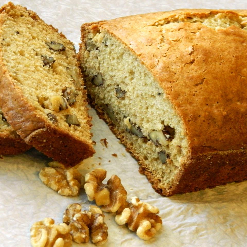 Lauri's Yummy Nut Bread
