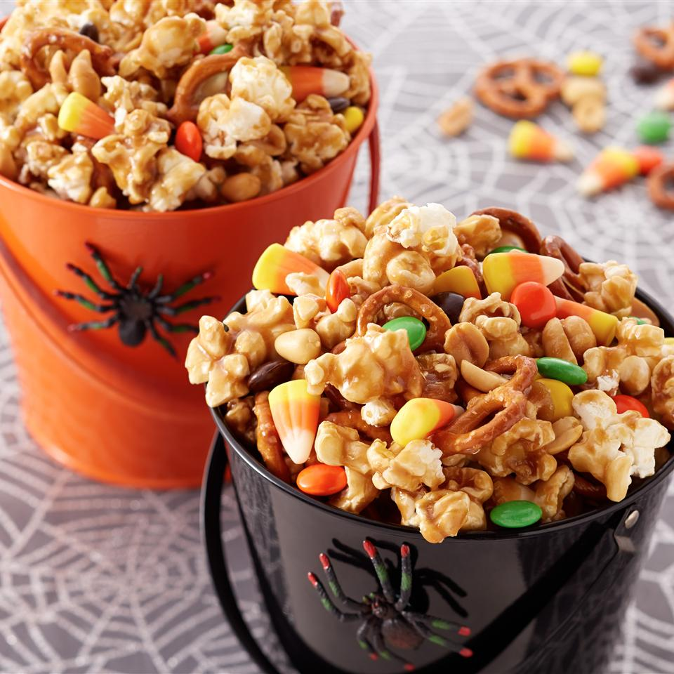 Trick-or-Treat Caramel Corn