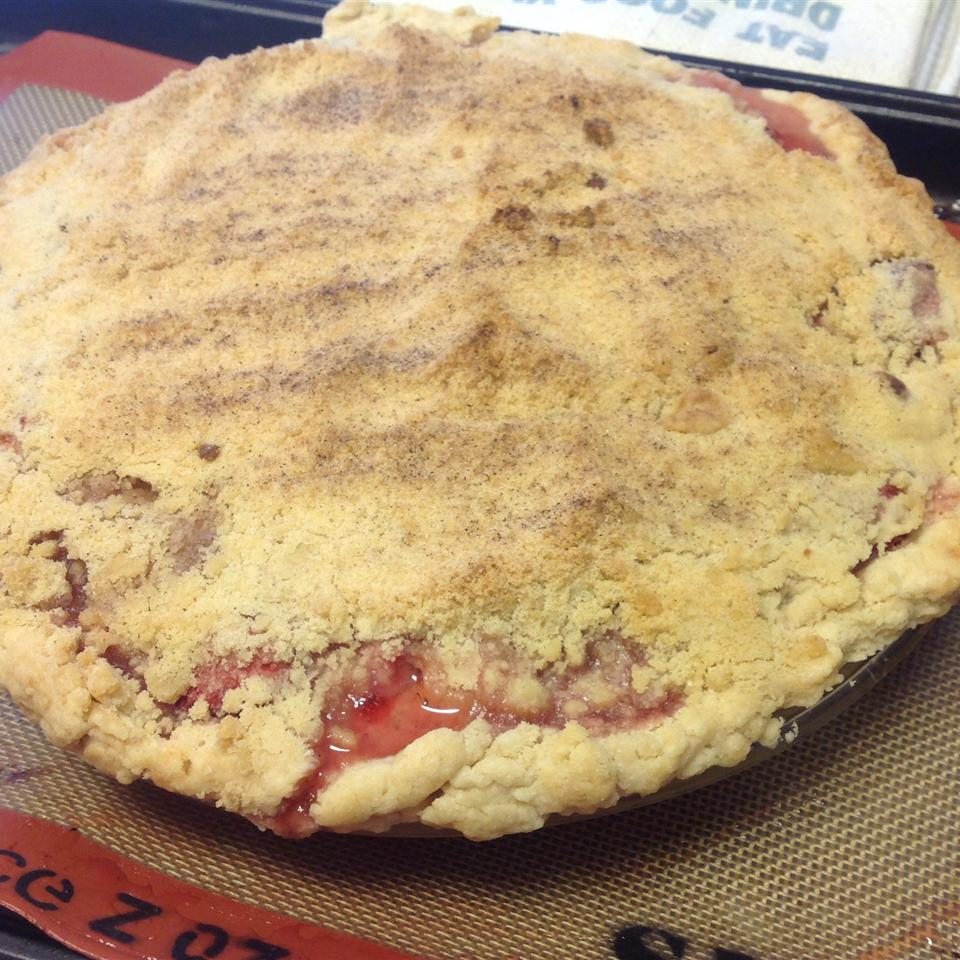 Crumb-Topped Strawberry Rhubarb Pie Rabit