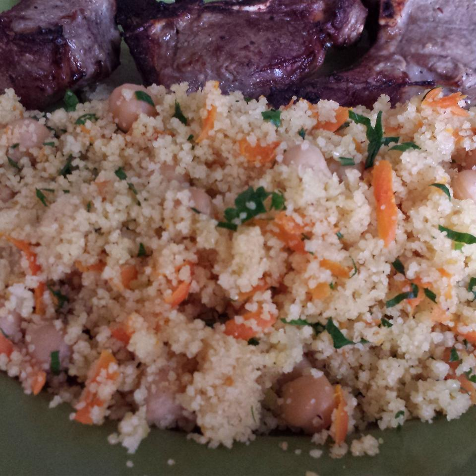 Couscous with Chickpeas and Carrots Casablancaise