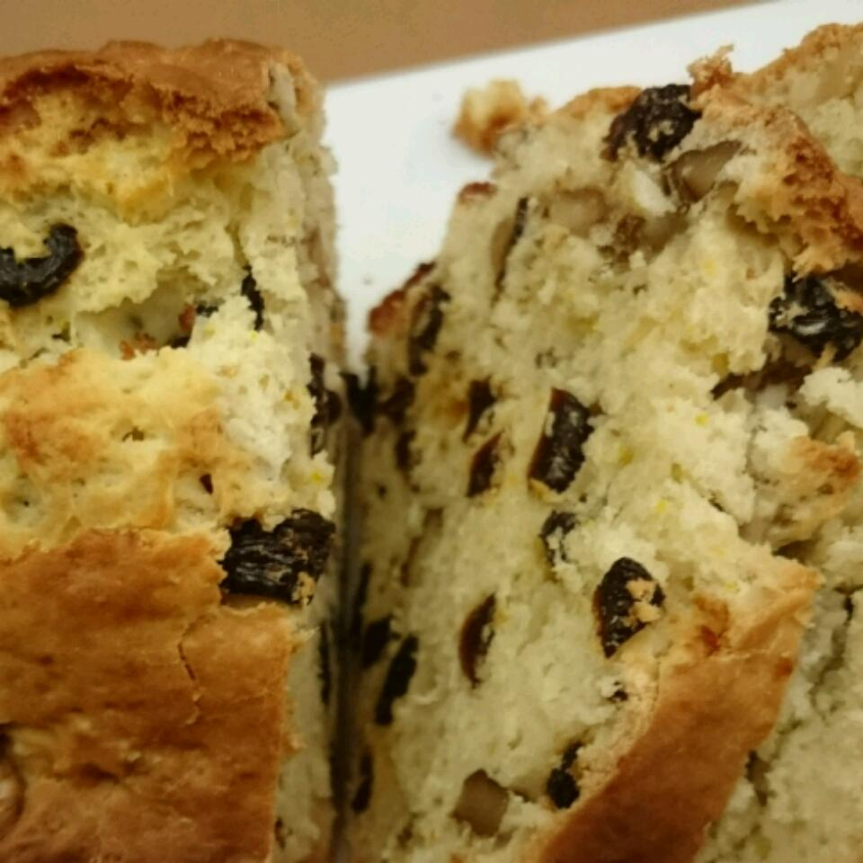 Nut and Fruit Bread lyn