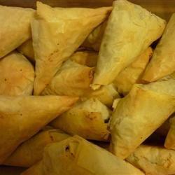 Spinach Triangles (Fatayer Sabanegh) MANDYLEH