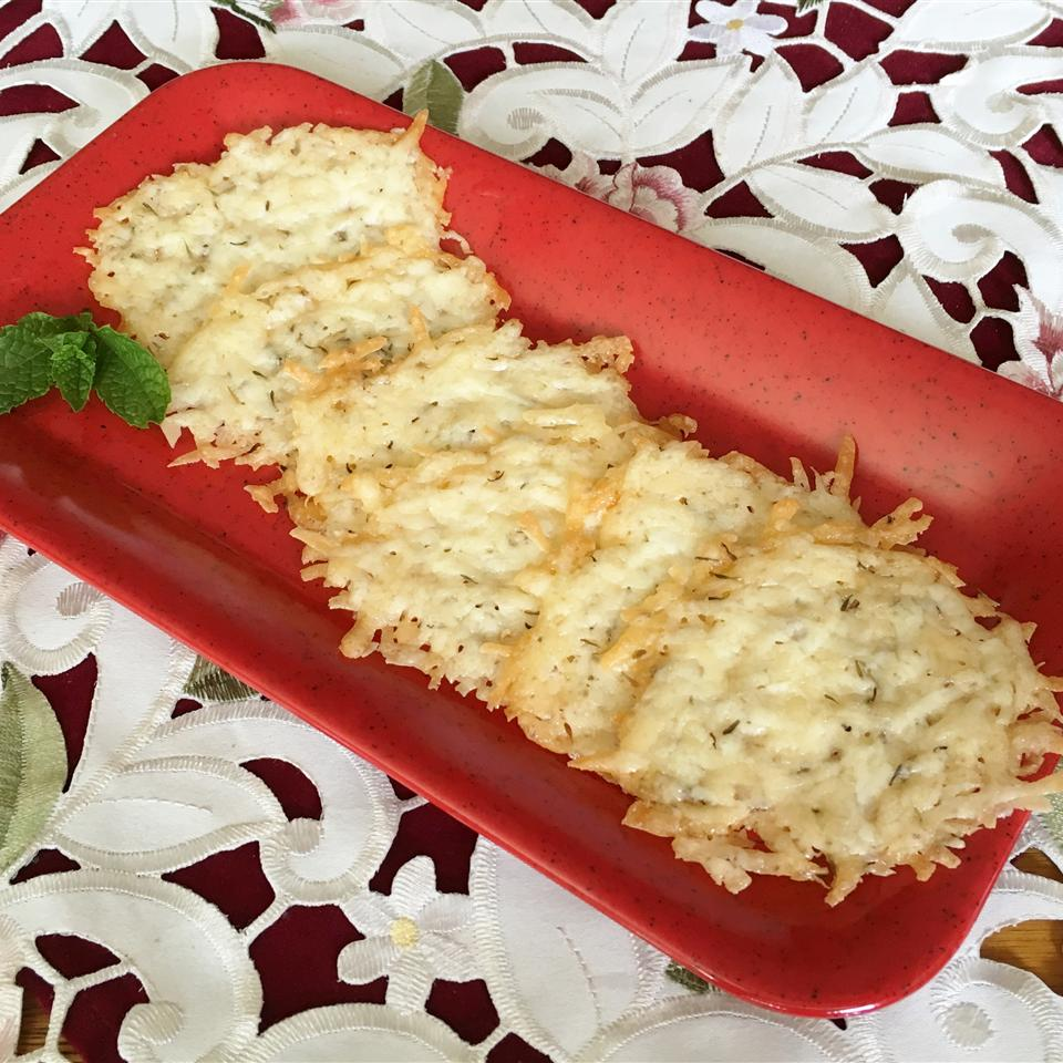 Rosemary Garlic Parmesan Crisps Yoly