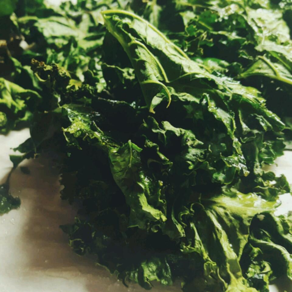 Baked Kale Chips Hannah McPherson