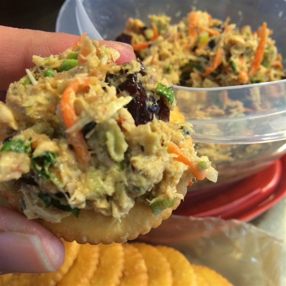 Asian Tuna Salad DaoNoi23