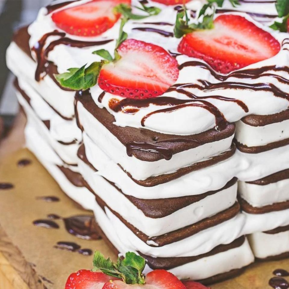 Coconut Minis Vanilla Sandwich Cake