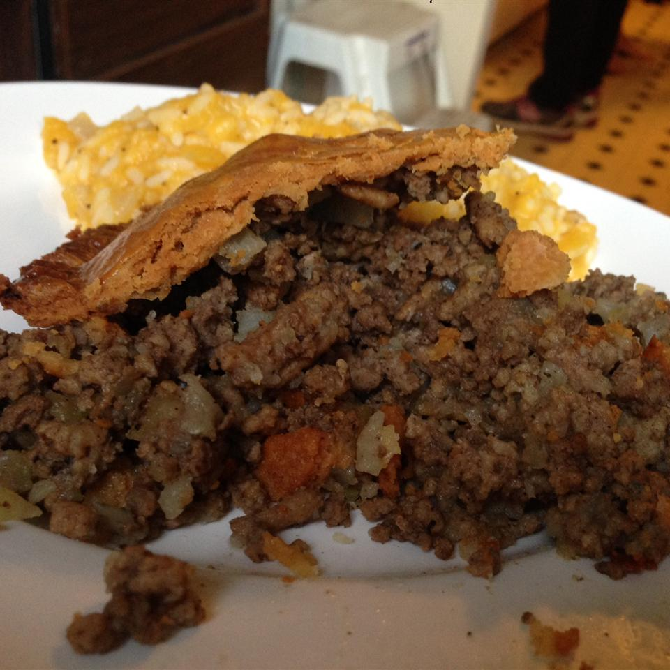 Meat Pie (Tourtiere) feelyoufalling