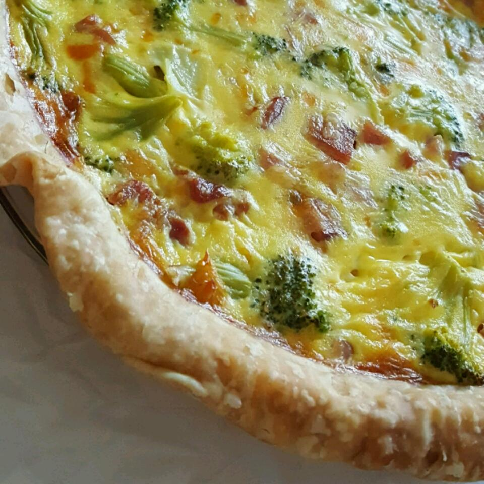 Easy Broccoli and Ham Quiche JenCanCook