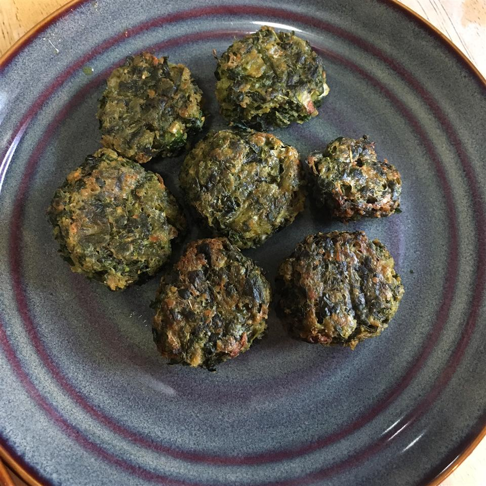 Delicious Herbed Spinach and Kale Balls mamabear
