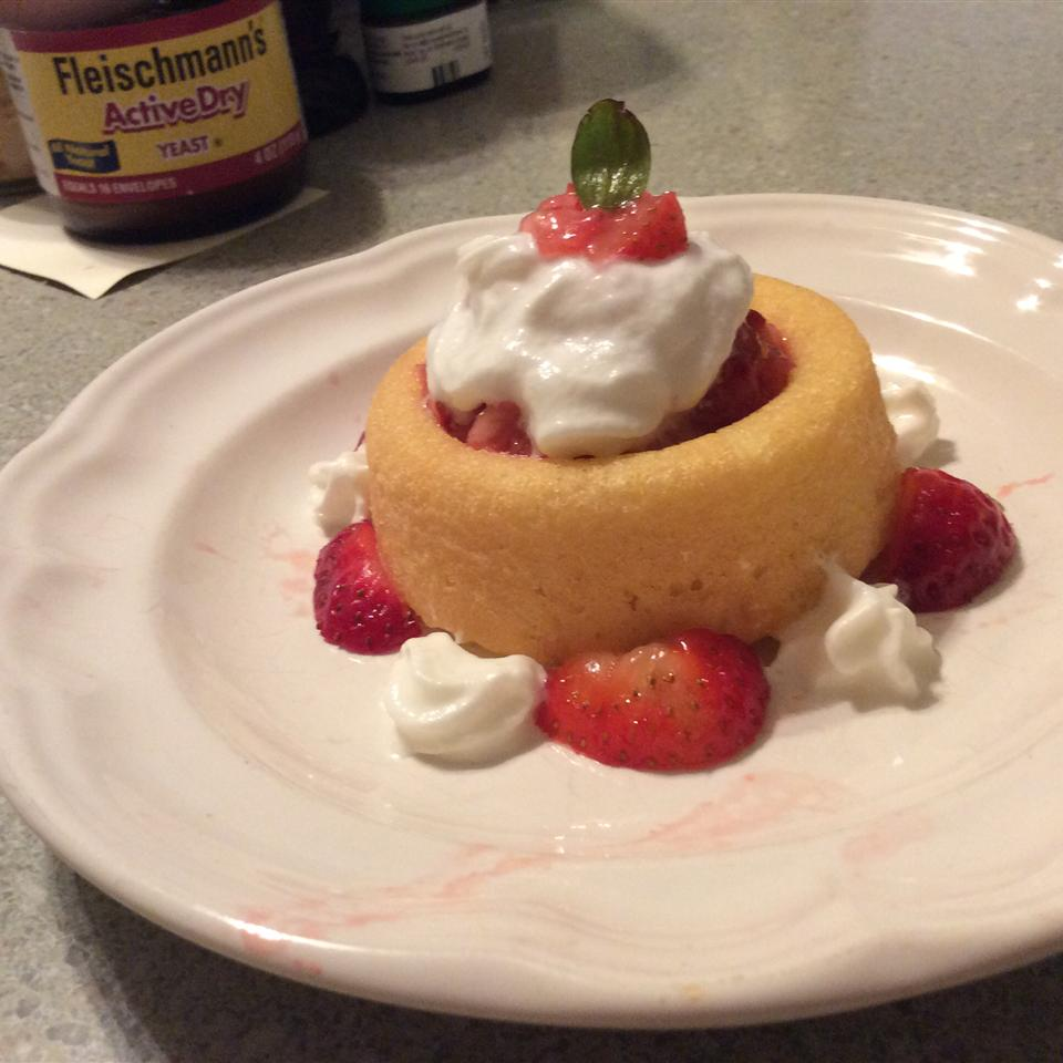 Quick and Easy Strawberry Shortcake LolothePoodle