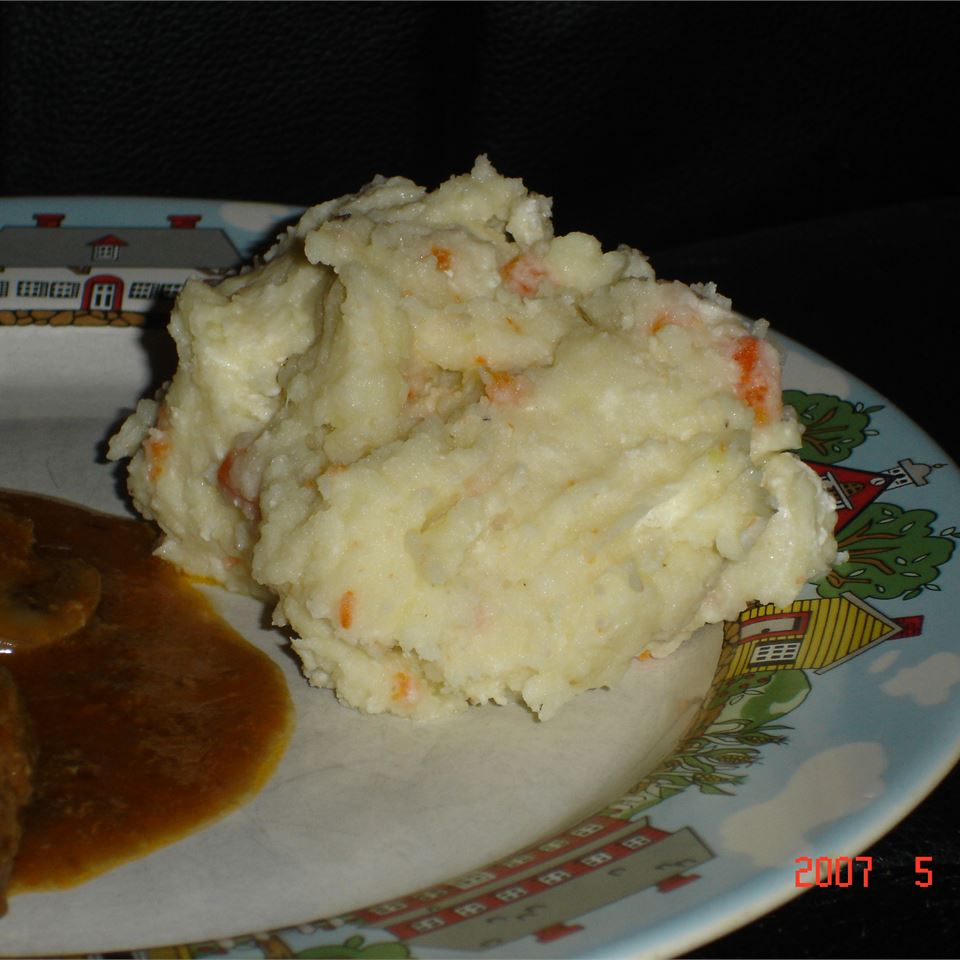 Spruced Up Mashed Potatoes MOLLE888