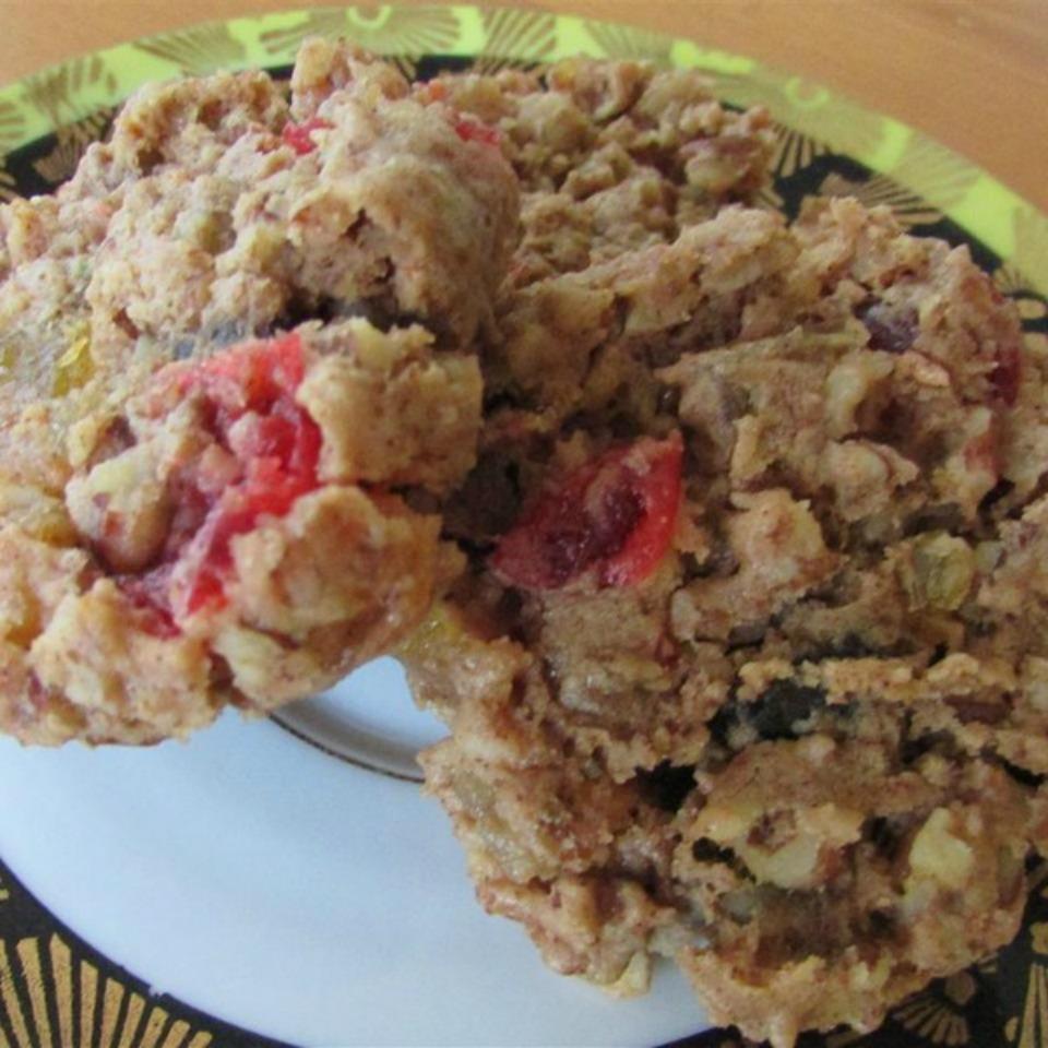 Aunt Bert's Fruitcake Cookies